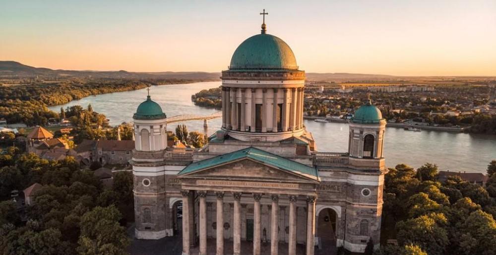 Descoperire uimitoare! Ce s-a găsit în crucea celei mai înalte catedrale din Ungaria